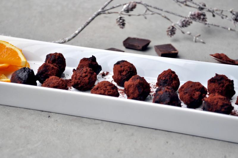 Marsipankuler med sjokolade og appelsin