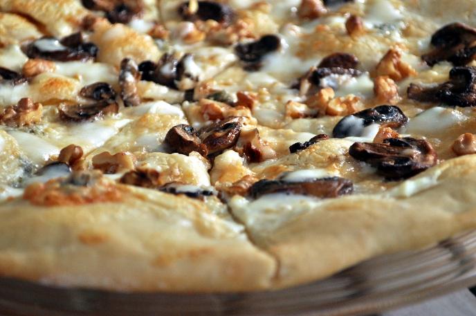 Pizza med fire oster og aromasopp