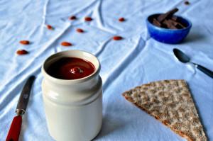 Nøttilade - sjokoladepålegg med mandler