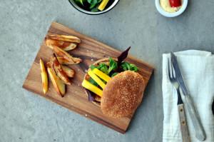 Spicy seiburger med chilimajones og potetbåter