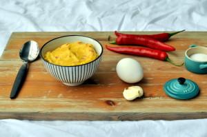 Hjemmelaget majones med chili og hvitløk