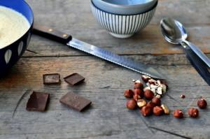 Eggedosis med sjokolade- og hasselnøttstrø