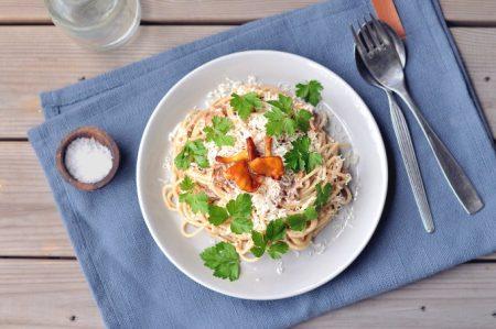Kremet spaghetti med kantareller