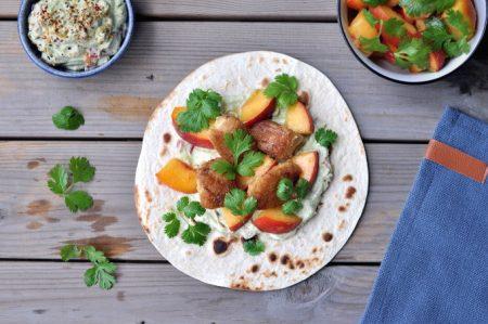 Torsketaco med guacamole og ferskensalat