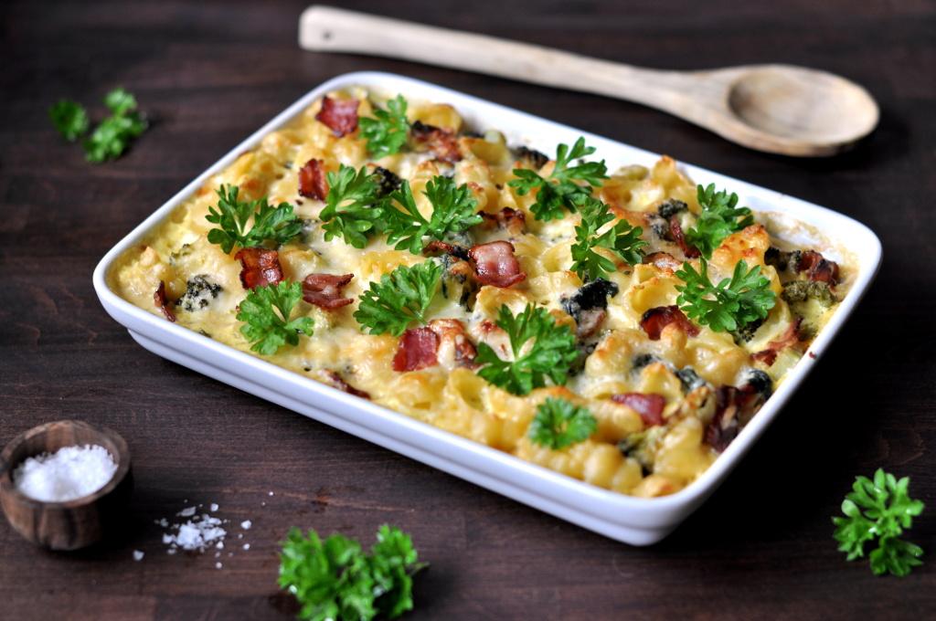 Pasta carbonara i form er mandagens rett i ukemeny med ovnsbakte middager