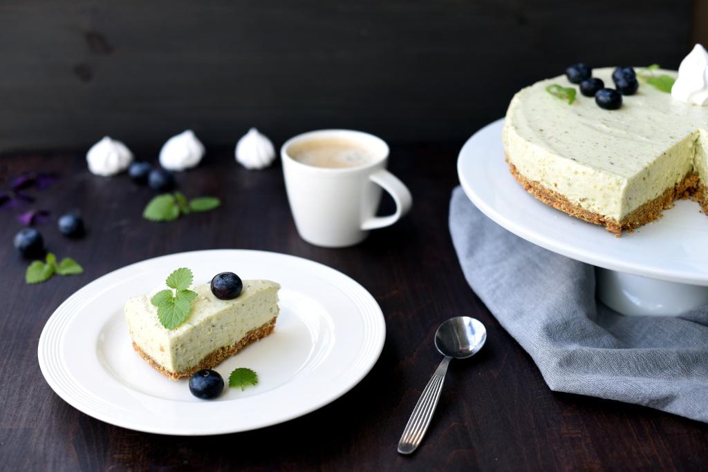 Ostekake med lime, pistasj og avokado