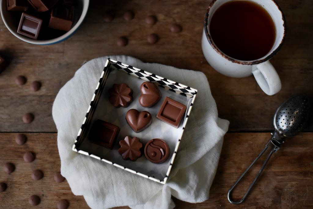 Sjokoladekonfekt med diverse fyll passer utmerket som spiselige julegaver