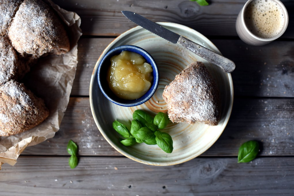 Enkelt halvgrovt brytebrød med hvete