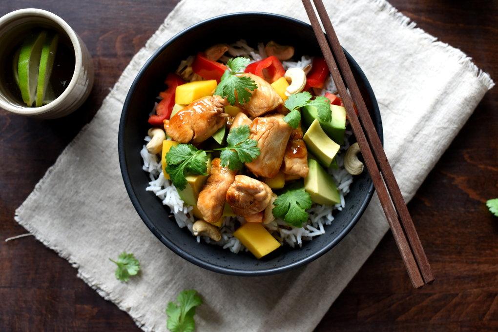 Rask teriyakikylling med mango- og avokadosalat