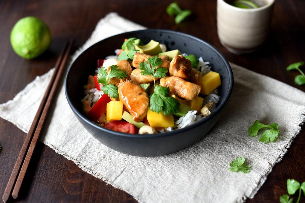Rask teriyakikylling med mango- og avokadosalat fra ukemeny med raske familiemiddager