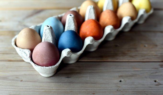 Farging av egg med naturlige farger