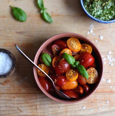 Blings med pesto krydrede tomater og ost