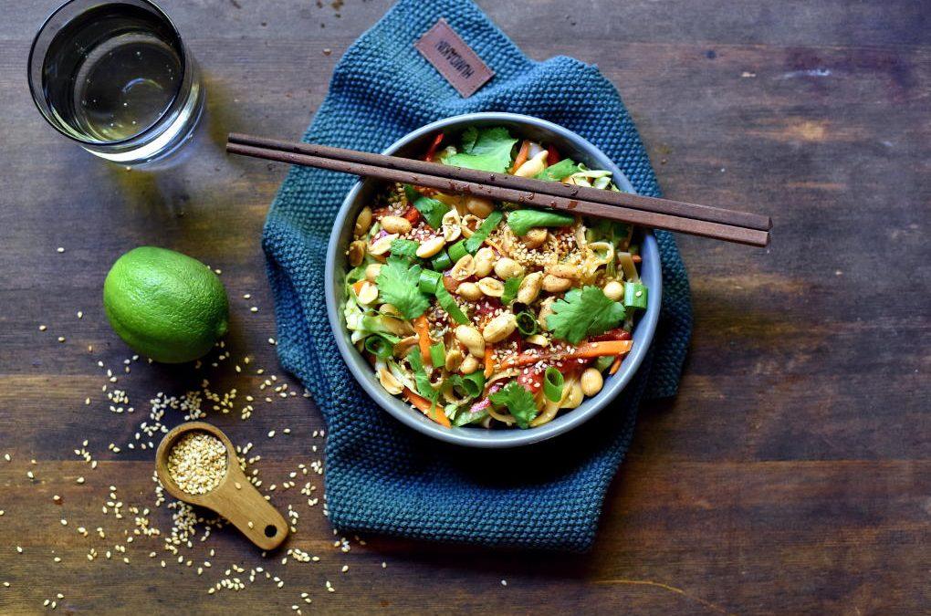 Asiatisk nudelsalat med spicy dressing